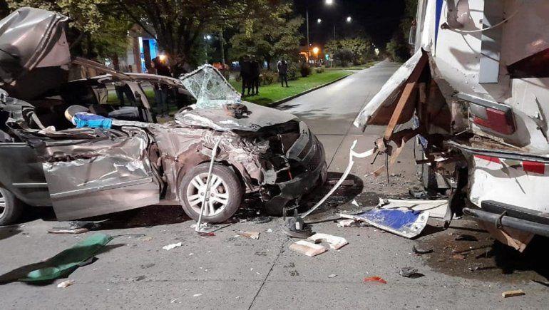 Una joven murió en un brutal accidente en pleno centro de El Bolsón