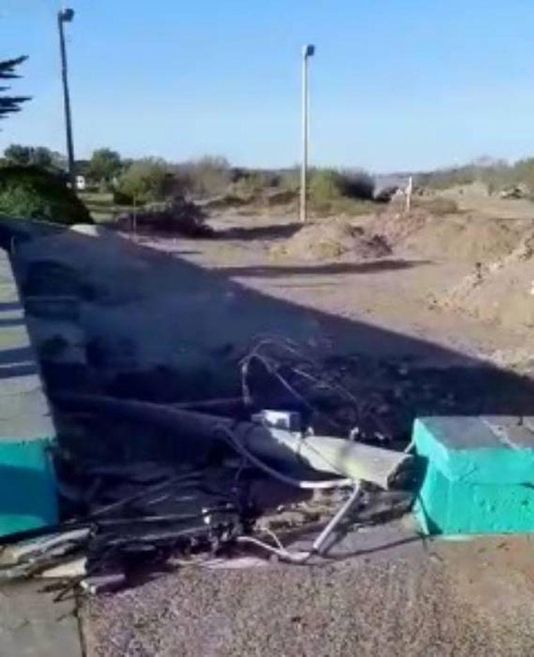 Un poste de electricidad cayó sobre una niña en El Cóndor