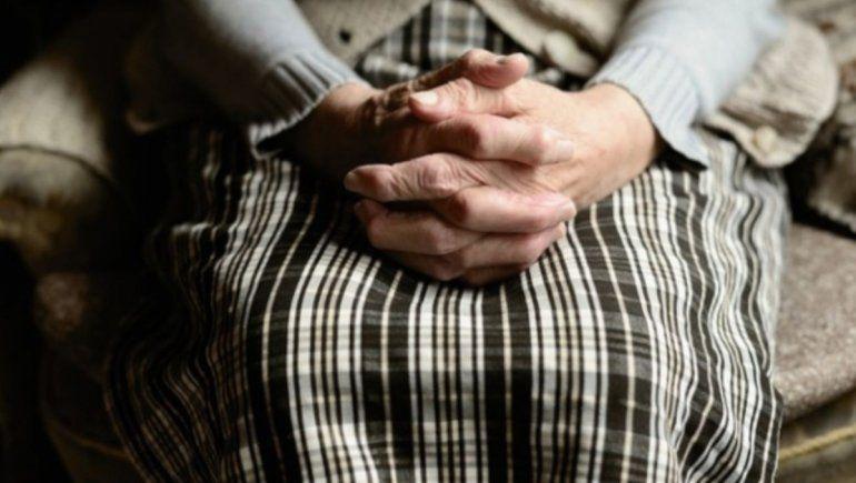 Una mujer de 70 años fue violada durante un robo
