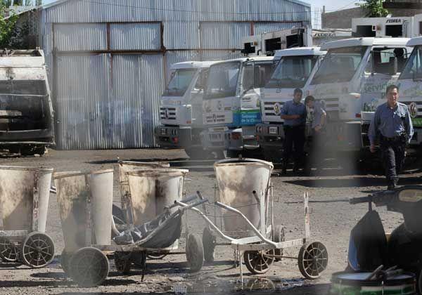 Obreros paralizaron el servicio de limpieza y recolección de residuos