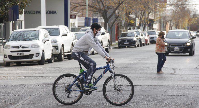 En Cipolletti se permiten los paseos y el ejercicio en bicicleta