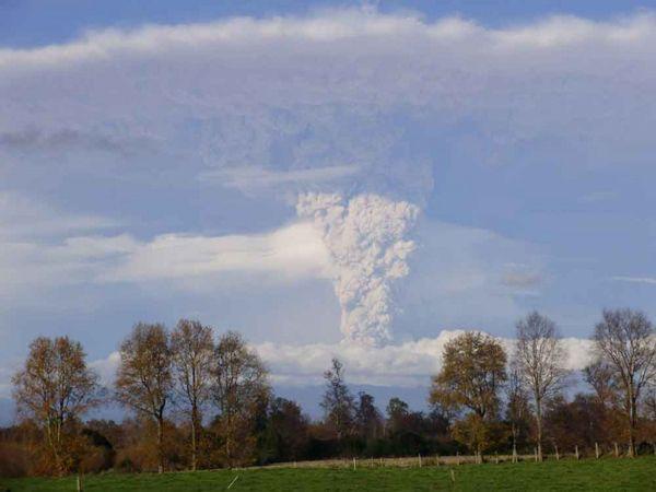Por otros seis meses continuaría activo el volcán Puyehue
