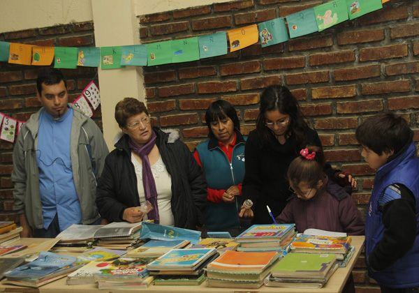 Generando Futuro donó libros a Centro de Promoción Comunitaria