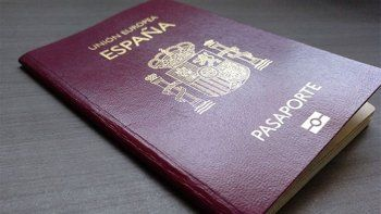 una ley ilusiona a los argentinos que suenan emigrar a europa