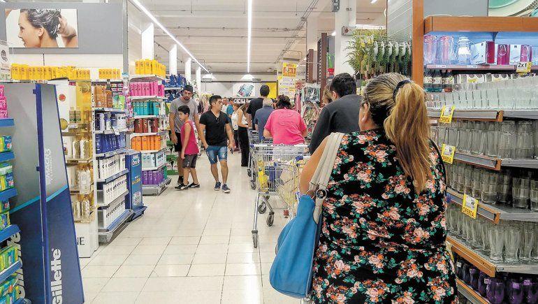 Hay varios productos sin stock en supermercados cipoleños