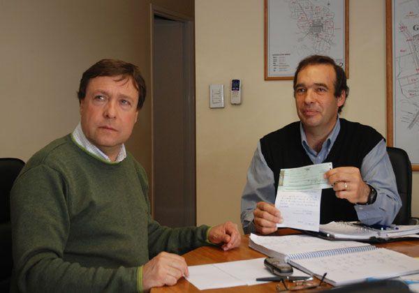 El municipio entregó 30 mil pesos al Rotary para apoyo de alumnos rurales