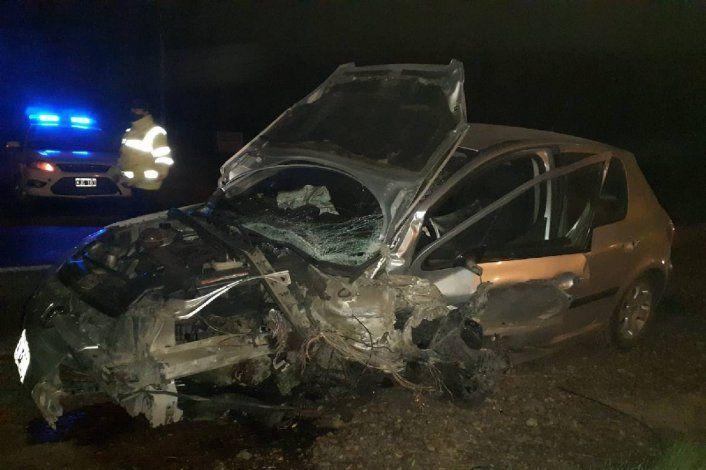 Ruta 151: un auto se adelantó y provocó un grave accidente