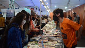 Otorgan un bono de $5.000 a jóvenes para actividades culturales
