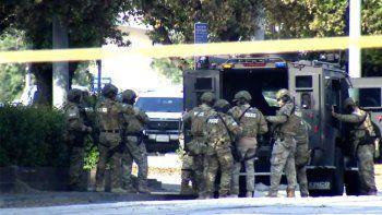 california: ocho muertos en un tiroteo en estacion de trenes