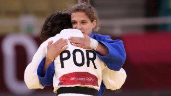 La Peque Pareto cierra su carrera olímpica con diploma y reconocimiento