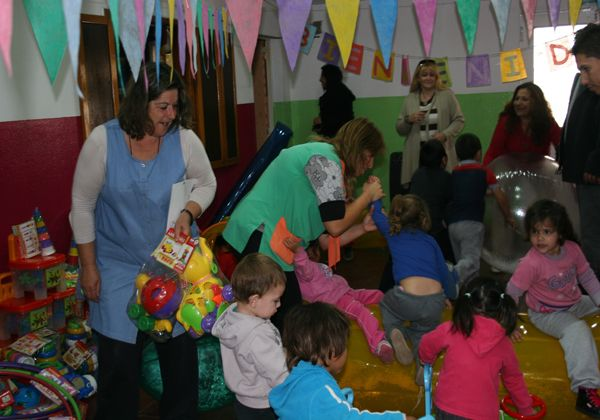 Bongiorno visitó el Centro Infantil Municipal en Allen
