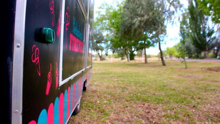 El paseo costero de la Isla Jordán suma Food Trucks