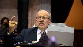un diputado rionegrino homenajeo a maradona en el congreso