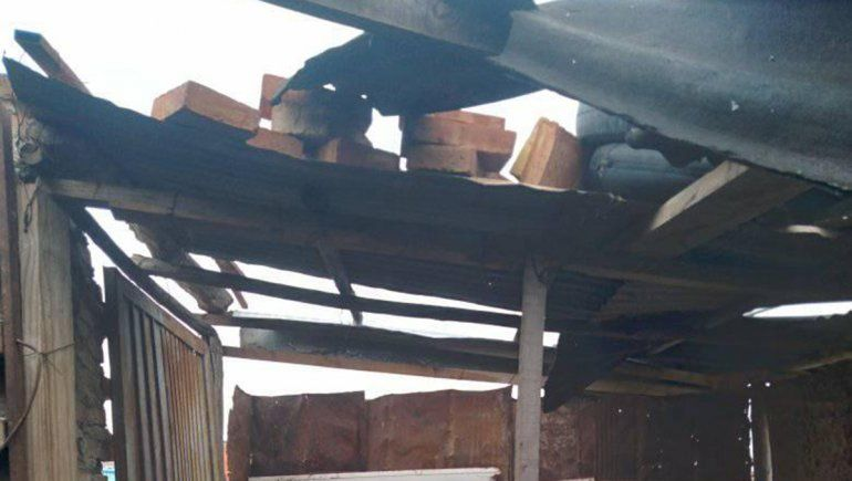 Le entraron a robar a un hombre de70 años y se llevaron hasta el techo