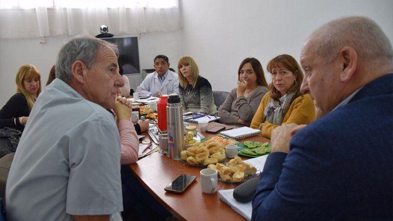 Zgaib recorrió hospitales y centros de salud de la región