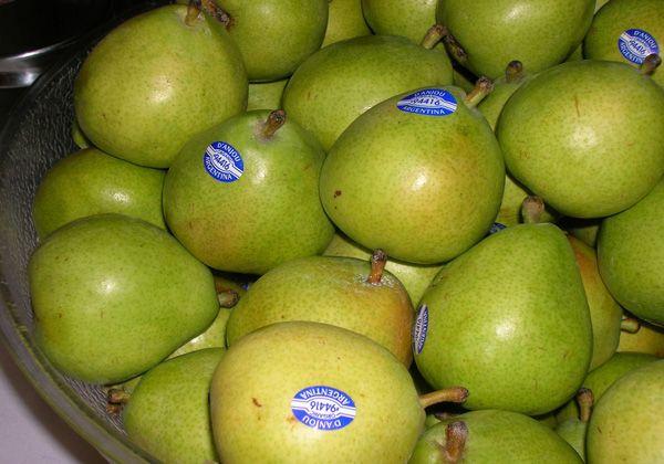 Productores venden peras y manzanas rionegrinas en Rosario