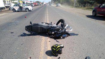 un motociclista murio en un brutal accidente en ruta 22