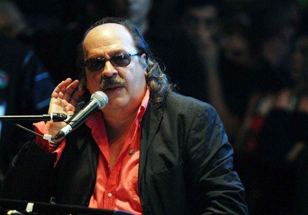 El padre del rock nacional actuará hoy en Cipolletti