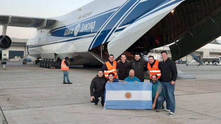 El equipo que acompaña al Saocom en su viaje al espacio