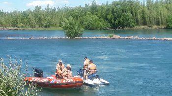 hallan un cuerpo en el rio: creen que es el joven desaparecido en el limay