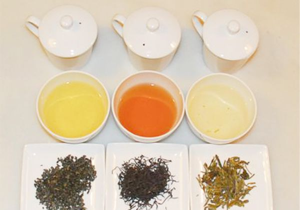 Invitados a tomar el té en La Caja Mágica