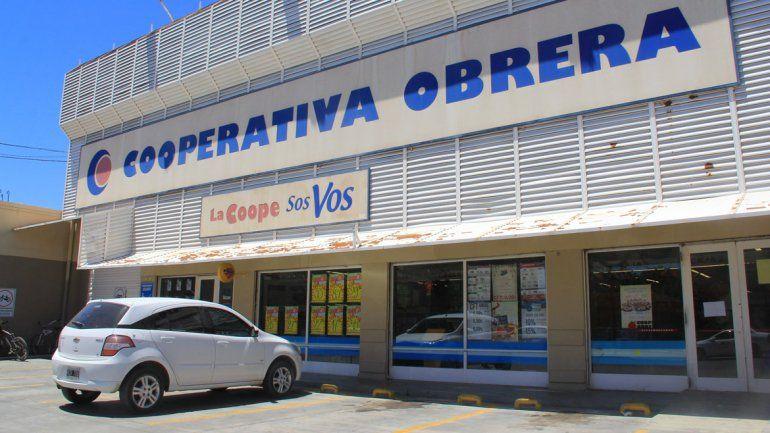 Cerró un supermercado cipoleño por un empleado con coronavirus