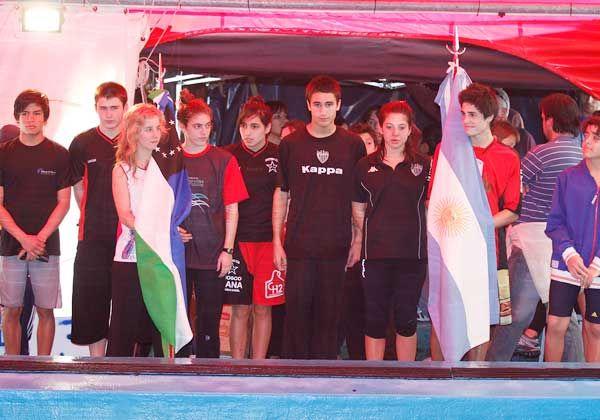 Los nadadores de Cipolletti vuelven a salir a escena