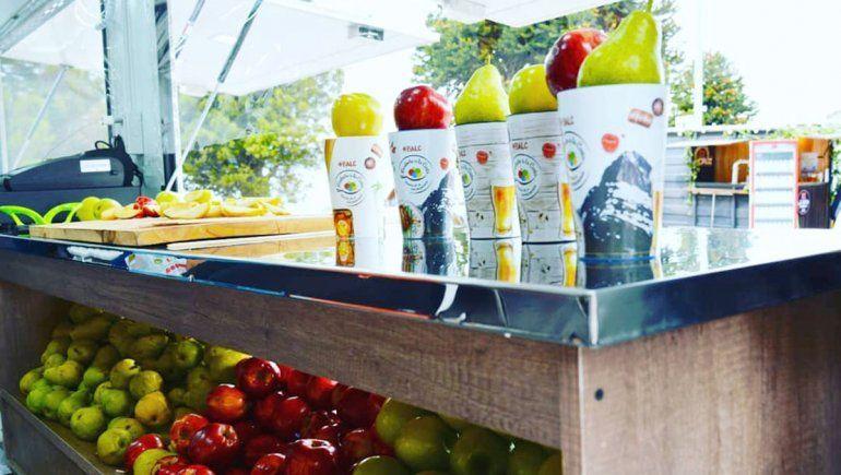 Productores vendieron 5 toneladas de peras y manzanas