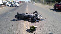 motociclista murio en un brutal accidente sobre la ruta 22