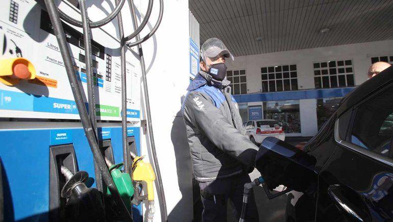YPF aumentó las naftas un 2,5% promedio en todo el país