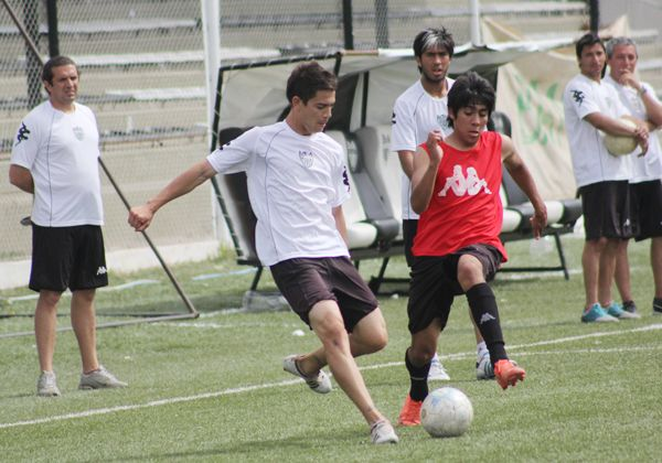 Rogger Morales define el equipo en Madryn