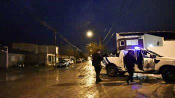 Armados entraron a una casa y dejaron a una mujer maniatada