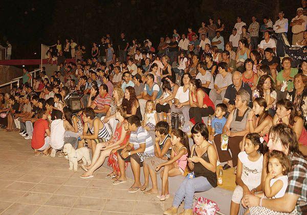Reinauguran plaza renovada en Campo Grande