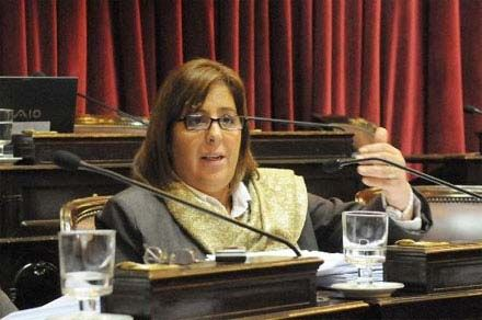 Bongiorno presentó un proyecto de reducción de costos bancarios