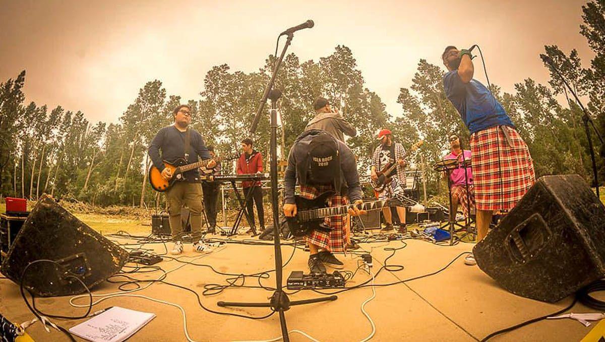 el complejo cultural de cipolletti se llena de rock