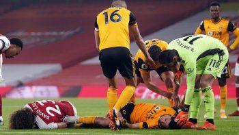 La preocupación por el impactante choque de cabezas que sufrió el delantero mexicano.