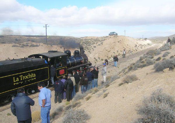 """El Valle Medio y el Alto Valle reciben a """"La Trochita"""""""