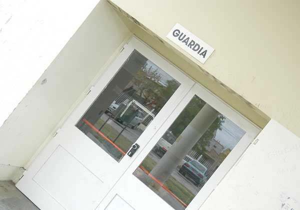 Apresan a prófugo en la guardia  del hospital