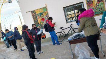 amigos cipolenos se unieron para ayudar a la escuelita desvalijada