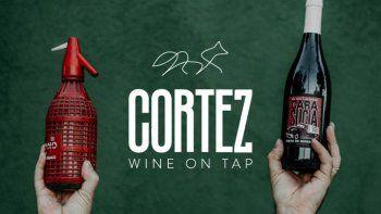 CORTEZ propone otra forma de tomar vino. Es una propuesta para amantes de la bebida y para quienes conocerla.