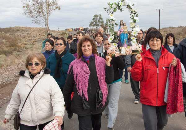 Más de mil fieles se congregaron para venerar a San Cayetano
