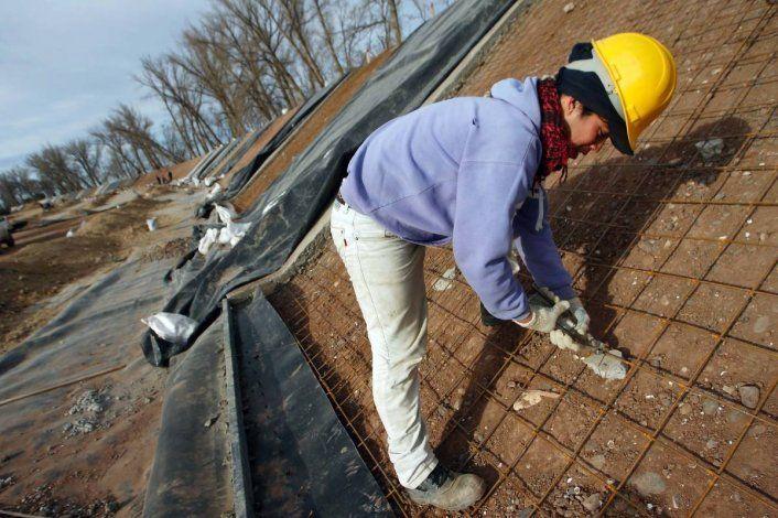 Regantes piden obras en el canal para no afectar el agua potable