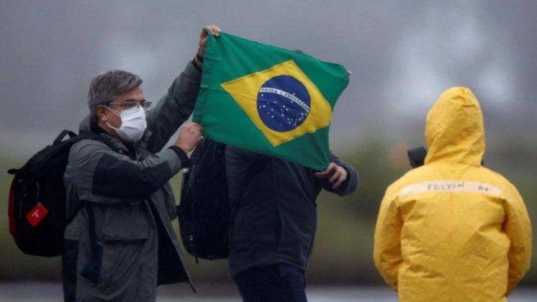 Segunda ola: cierran Brasil por el aumento de casos de Covid-19