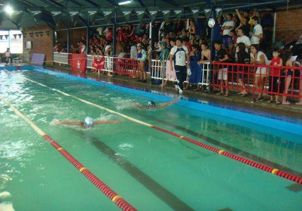 Torneo de natación de otoño, aniversario del Club Unión Alem Progresista