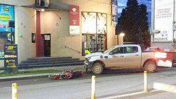 una joven motociclista resulto herida en un brutal choque