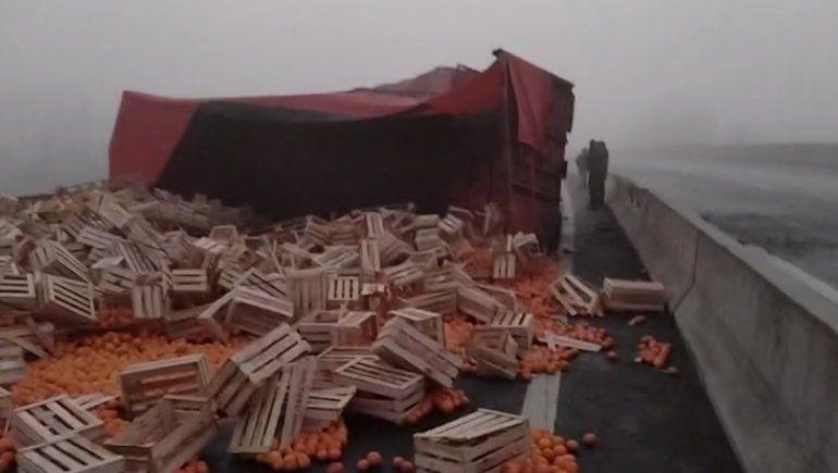 Un camionero murió tras perder el control sobre la Ruta 22