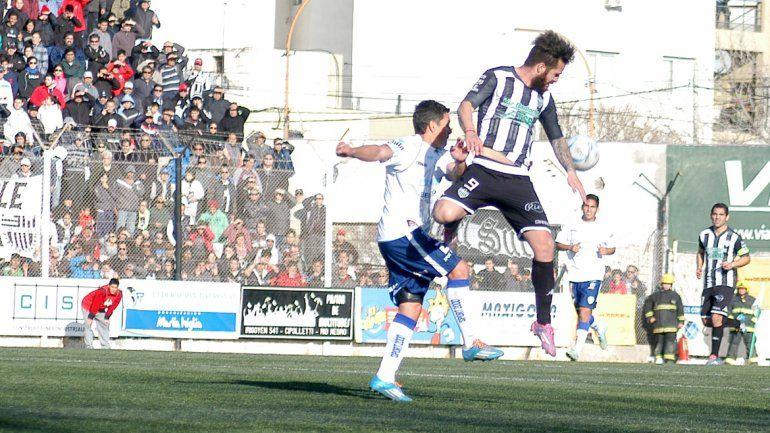 El Albinegro necesita que Vera y todos los delanteros se reencuentren con el gol en estos playoffs decisivos.