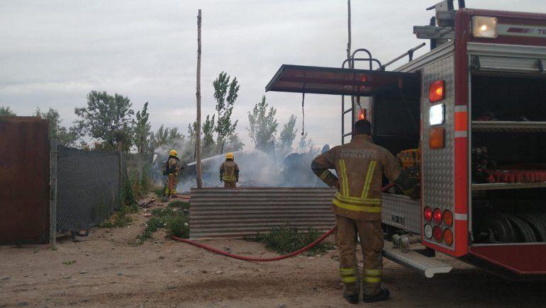 Incendio consumió una casilla en la toma 2 de Febrero