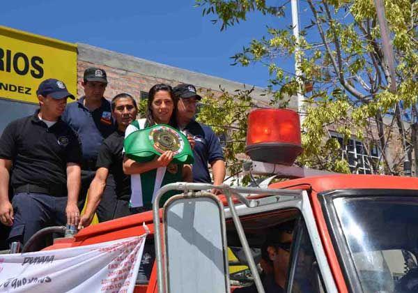 Betiana Viñas recibió el cariño de Fernández Oro
