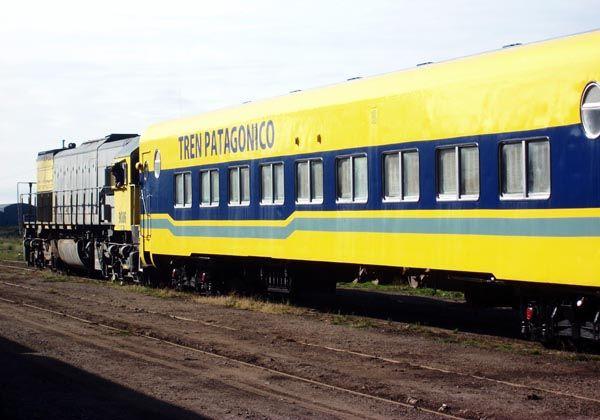 """""""Tenemos un tren que se ata con alambre"""""""